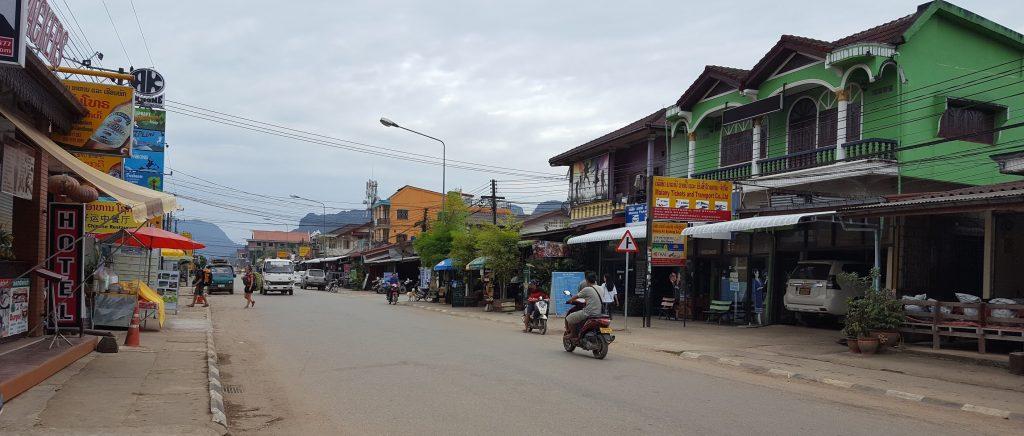 A fi sau a nu fi în Laos