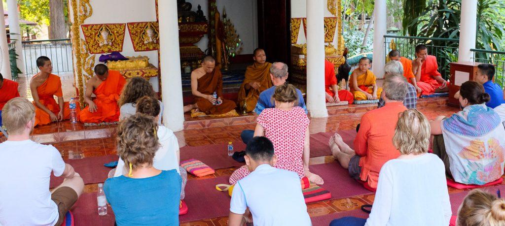 A fi sau nu fi în Laos